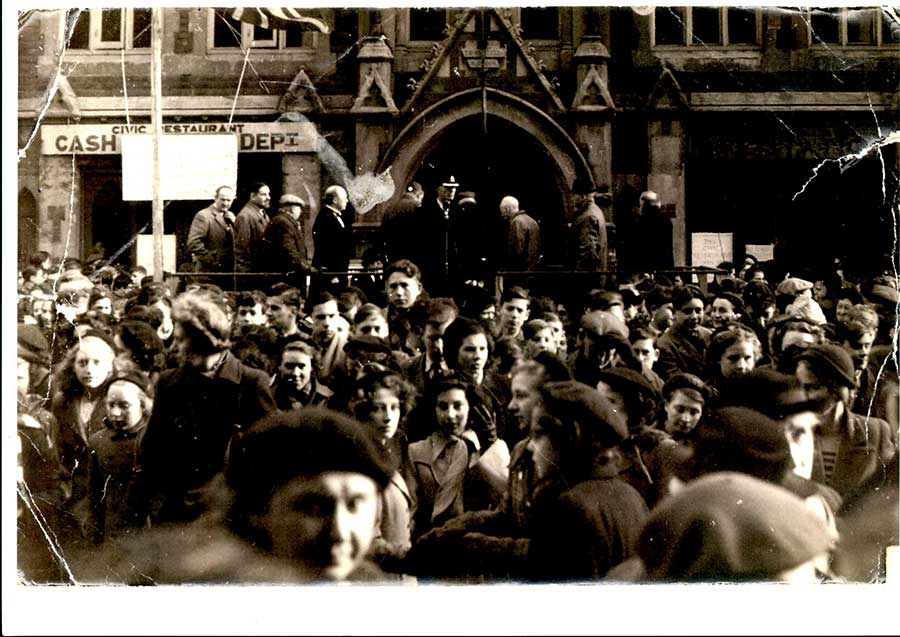 Outside Brierley Hill Town Hall (where the library stands today) in 1952